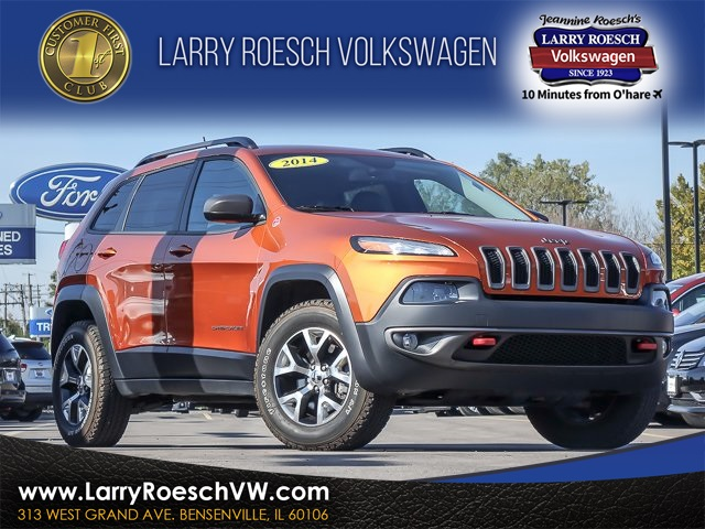 jeep front crossover cherokee quarter first drive abtl reviews autobytel trailhawk com suv